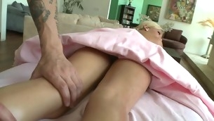 Chick gets salacious drilling till jizz go about spews on her twat